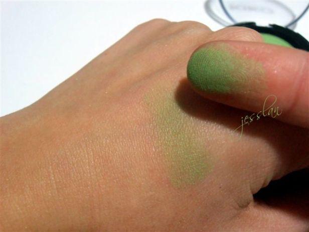 Swatch ombretto verde - Kiko