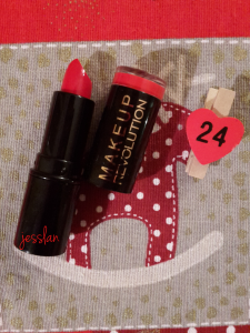 makeup revolution rossetto rosso