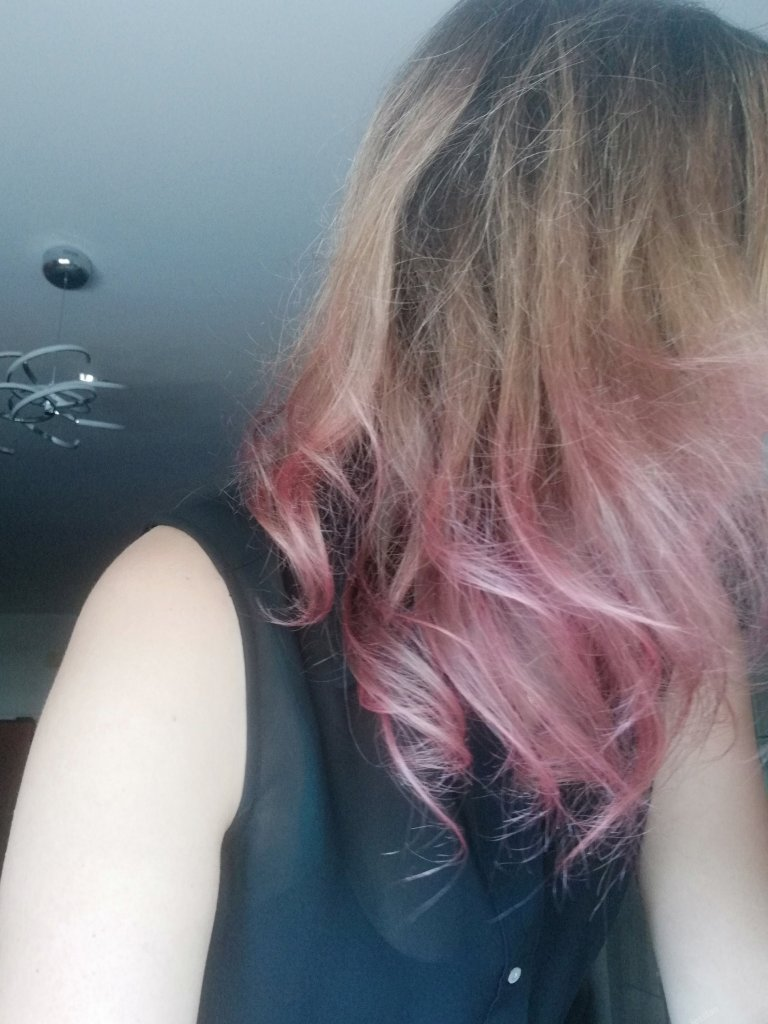 Capelli rosa con Colorista Dirty Pink