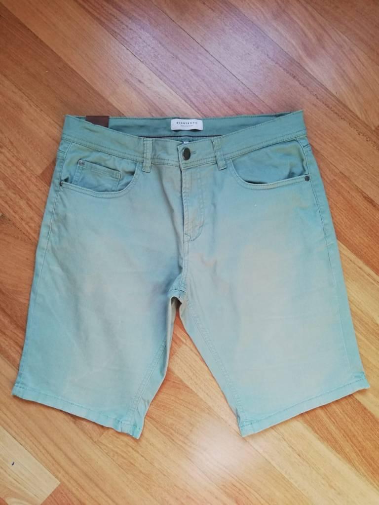 Pantaloncini prima della tintura